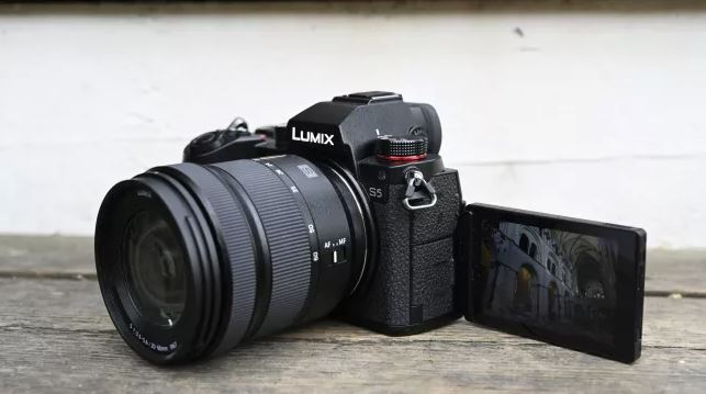 بررسی پاناسونیک Lumix S5